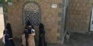 زينبيات الحوثي يداهمن منازل المواطنين ويعتقلن نساء بالقوة في تعز