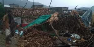 أمطار رعدية وعواصف تقتلع منازل النازحين وسقوط ضحايا في محافظة حجة (صور+أسماء)