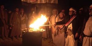 """شاهد رئيس إصلاح مأرب """"الشريف"""" يفاجأ الحوثيين من الميدان بعد اشاعات انضمامه للميليشيا"""