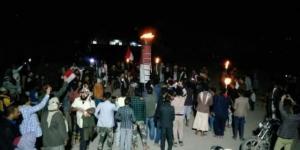 تحد شعبي ... أبناء ذمار يوقدون شعلة ثورة سبتمبر رغم اعتراض الحوثيين