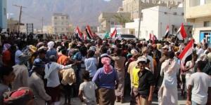 شاهد بالفيديو مسيرات جماهيرية في سقطرى تطالب بعودة السلطة الشرعية