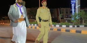 """بعد خطابه الذي أغاظ الحوثيين.. مسؤول حكومي: استهداف اللواء """"العرادة"""" بصاروخين بالستيين"""