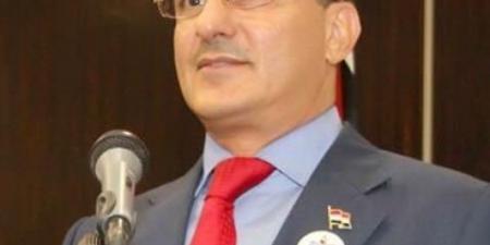 """""""يحيى صالح"""" يهاجم التحالف العربي بخطاب يوافق منطق الحوثيين ودبلوماسي رفيع في الشرعية يفحمه برد حاد"""