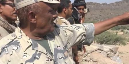 محلل عسكري يكشف عن تمرد منطقة عسكرية بالكامل .. والخطأ الذي نكب الشرعية وتسبب في تقدم الحوثيين نحو مارب