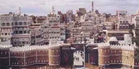 مليشيا الحوثي تصادر عشرات المنازل الأثرية في صنعاء.. وهذا ما فعلته بمنزل الشاعر ''البردوني''