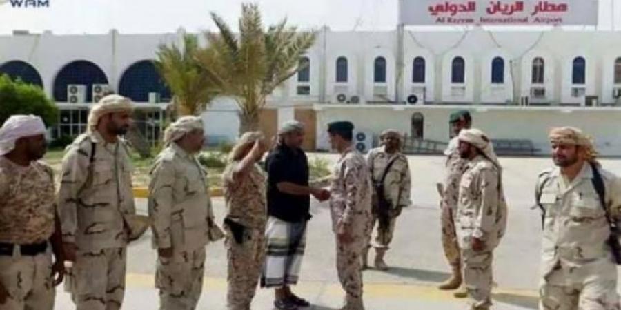 منظمة حقوقية تكشف عن الضابط الإماراتي المسؤول عن ارتكاب جرائم بشعة في اليمن