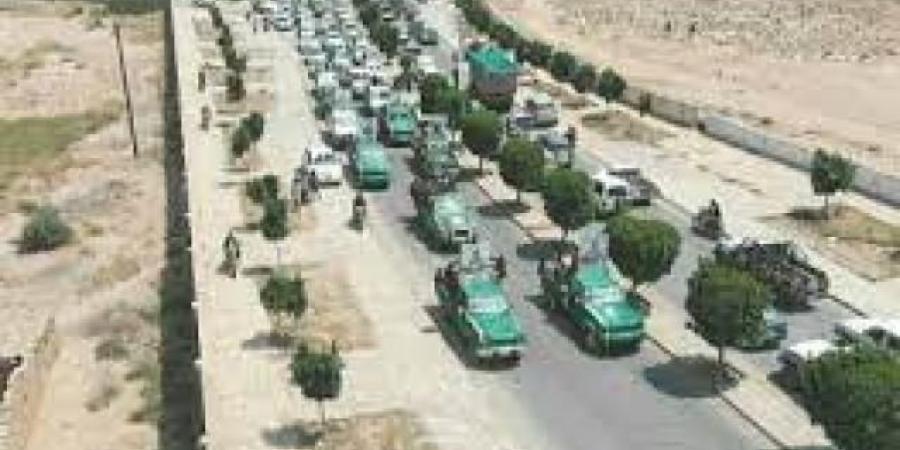عائدين من مأرب .. عشر سيارات إسعاف وشاحنة تعود لصنعاء محملة بالعشرات من الحوثيين