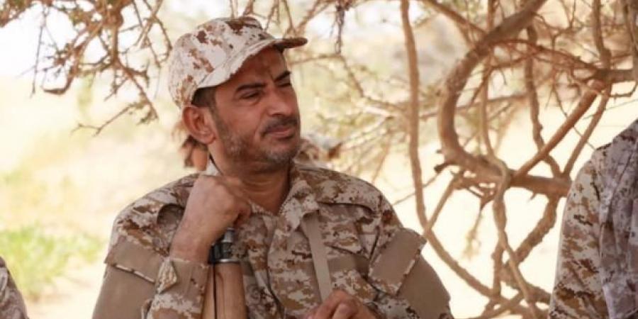 """بعد توجيهات الرئيس هادي .. رئيس هيئة الأركان العامة """"بن عزيز"""" يتجه إلى الجبهات"""