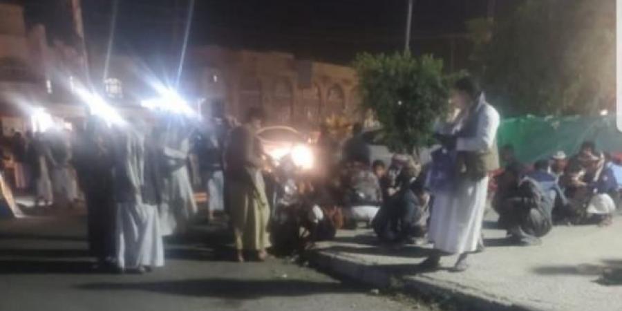 وسط توتر واحتشاد قبلي مسلح في العاصمة صنعاء... قبائل أرحب تطوق مقر عسكري وتمنح الحوثيين مهلة 24 ساعة