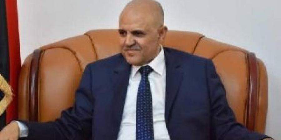 أول رد من محافظ تعز على استهداف الحوثيين ميناء المخا.. وهذا ما قاله عن ''المقاومة الوطنية''