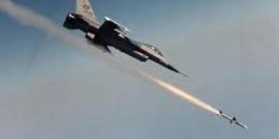 طيران التحالف يدك معسكرات الحوثيين في تعز ومأرب وصعدة