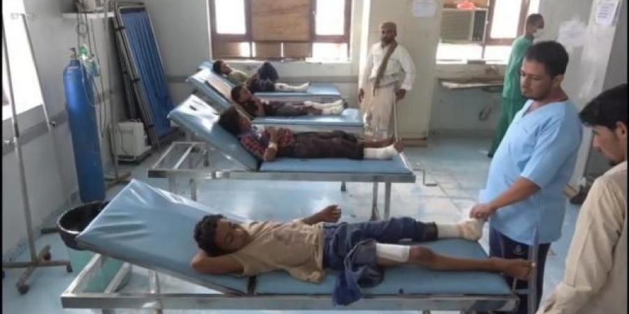 سقوط 15 ضحية من المدنيين على يد الحوثيين في الخوخة