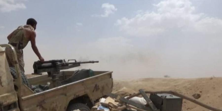 الجيش يعلن إحباط محاولة تسلل لمجاميع حوثية غربي تعز
