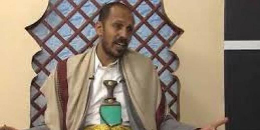 """قيادي حوثي بصنعاء يفجرها ويطالب بـ""""فصل الدين عن الدولة"""" ويحصد إعجاب واسع"""