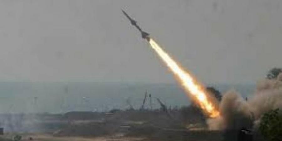 صاروخ باليستي حوثي يرتكب مجزرة في مدينة مارب والكشف عن عدد الضحايا