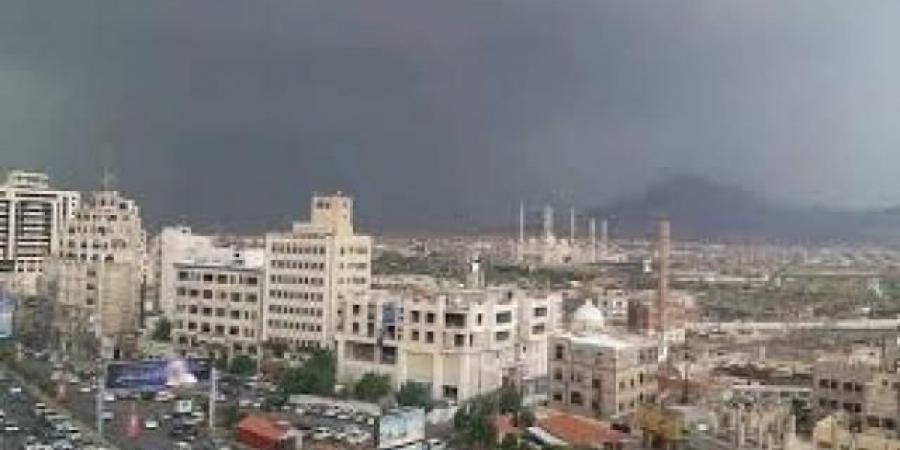 """""""قانون جديد"""" يفتح جبهة حرب في صنعاء وعدة محافظات"""
