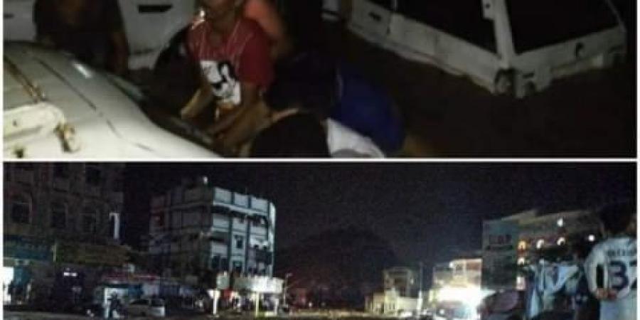 تاثيرات إعصار شاهين تصل لليمن.. أمطار وسيول عارمة تضرب مدينة المكلا