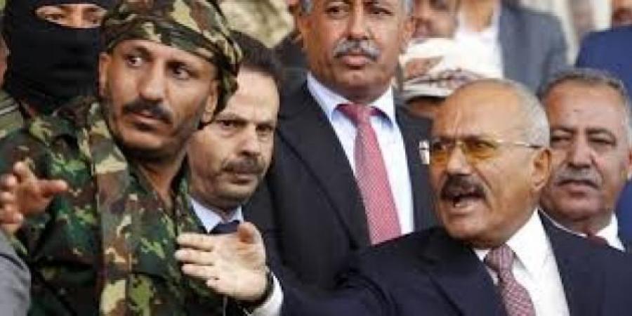 """باحث يمني: العميد """"طارق"""" يقع في خطأ كارثي ويكرر أخطاء الرئيس """"صالح"""" مع الحوثيين"""
