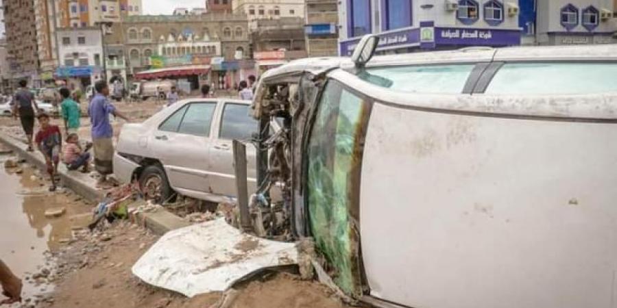 شاهد حجم الدمار الذي لحق بمدينة المكلا عقب إجتياح تأثيرات عاصفة شاهين..