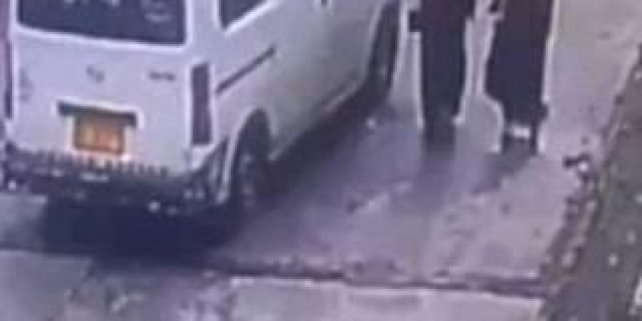 الحوثيون يطلقون سراح المتهم بالتحرش الجنسي بإحدى الفتيات أمام جامعة إب (صورة)