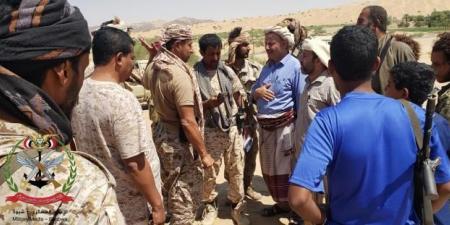 """قائد عسكري كبير في وزارة الدفاع يتحدث عن المديرية """"بوابة النصر"""" على الميليشيا الحوثية"""