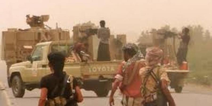 """""""الحوثيون"""" يدفعون بتعزيزات ضخمة استعداداً لهجوم كبير لاستعادة السيطرة على الساحل الغربي مع تكثيف هجماتهم على مأرب وشبوة وأبين (ترجمة خاصة)"""