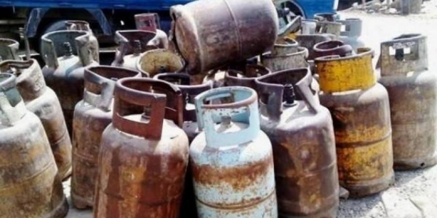 """تنافس الحرب في خطف الارواح.. سلطات الحوثيين تفشل صفقة لصيانة اسطوانات الغاز التالفة و""""البرلمان"""" يكشف المستور"""