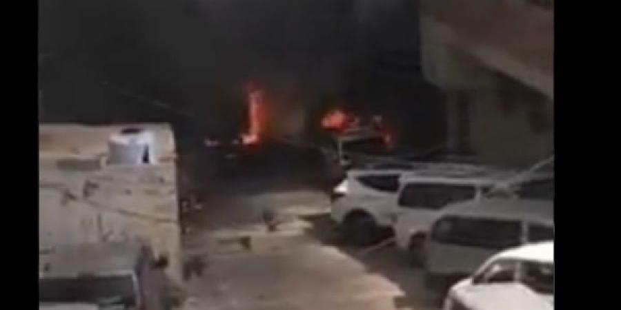 شاهد بالفيديو كريتر تحترق والمواطنون يناشدون لإنقاذهم... واللجنة الأمنية توضح ما يحدث