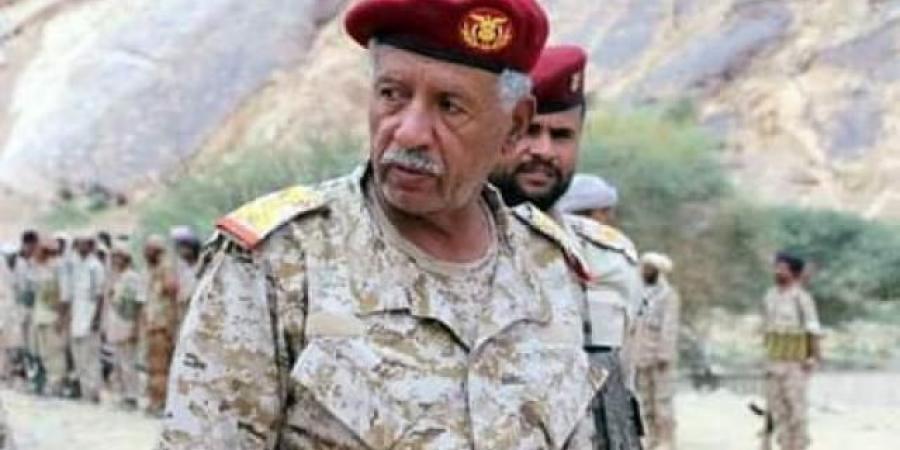 """اللواء مفرح بحيبح يفاجأ الحوثيين في حريب ويتحدث عن """"كماشة الجيش"""" و """"مئات الجثث الحوثية"""""""