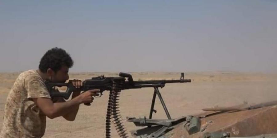 """معركة """"كسر عظم"""" تحصد رؤوس الحوثيين وتحرق عتادهم"""