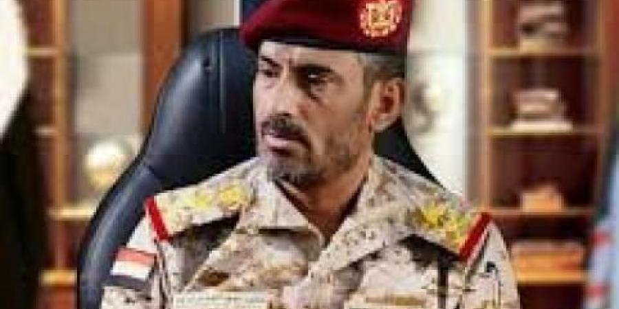 """""""الحوثيون"""" يزعمون مقتل """"بن عزيز"""" بضربة بالستية في مارب والاخير يرد"""