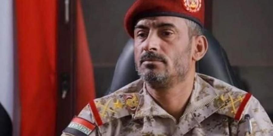 """بعد يوم أسود..""""بن عزيز"""" يثق بانتصار أبطال الجيش اليمني على الحوثيين"""