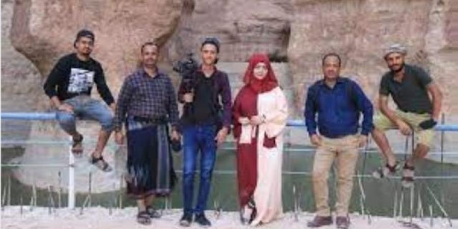 """""""مايا العبسي"""" تعلق على احتجازها من قبل قوات الانتقالي بعدن"""