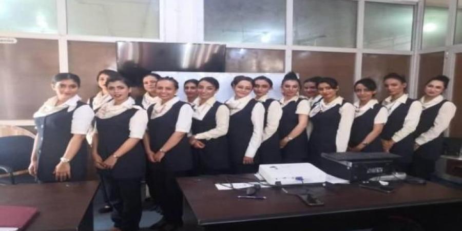 """انضمام """"15"""" مضيفة جديدة لطاقم طيران اليمنية"""