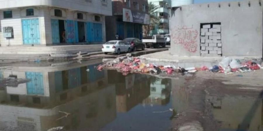 قبل احتفالاتها بالمولد النبوي.. حملة حوثية جديدة لسلب أموال المواطنين مقابل خدمات المجاري والصرف الصحي