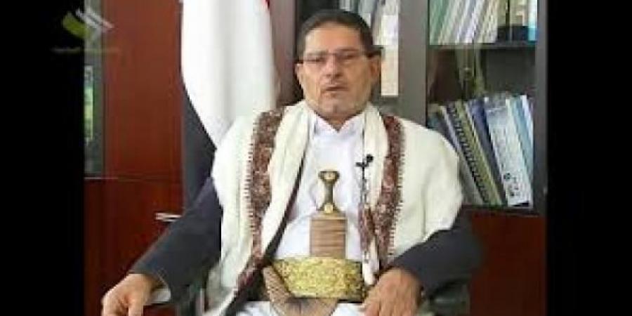 شقيق عبدالملك الحوثي يكشف عن فساد مسؤولين حوثيين في مناصب رفيعة!