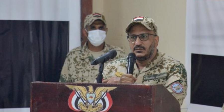 """""""طارق صالح"""" يدخل على خط جريمة استهداف محافظ عدن """"بيان"""""""