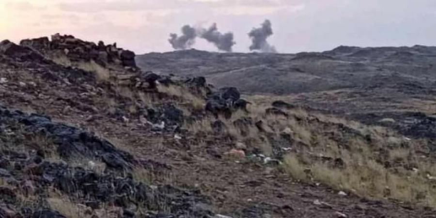 بالفيديو.. شاهد تطاير جثث مقاتلي الحوثي في الهواء بأطراف مديرية العبدية