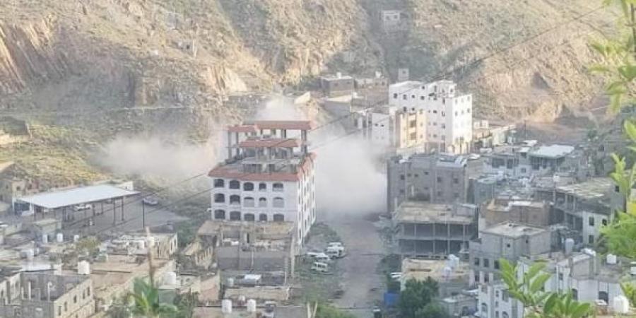 ميليشيا الحوثي تقتل امرأة مسنة وتصيب طفلة في تعز
