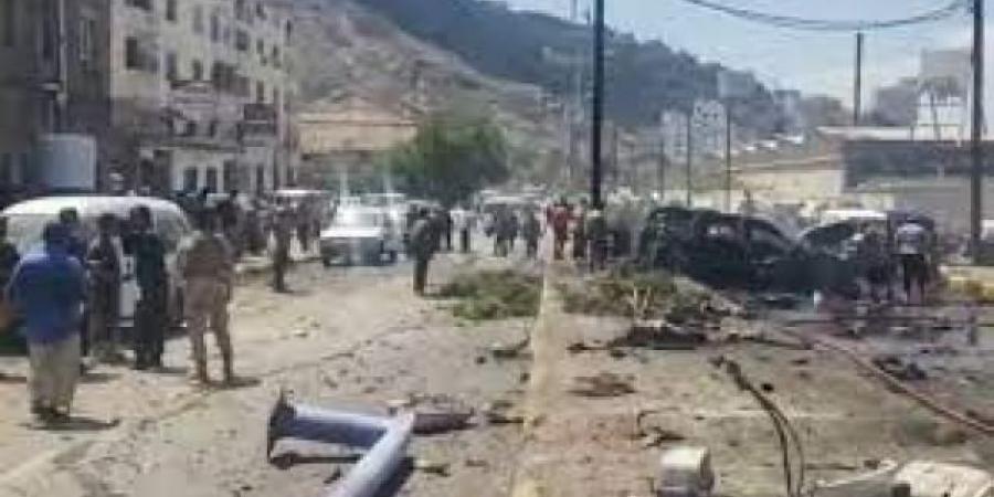 حقيقة مقتل طالب اثناء إستهداف محافظ عدن بالتفجير الانتحاري