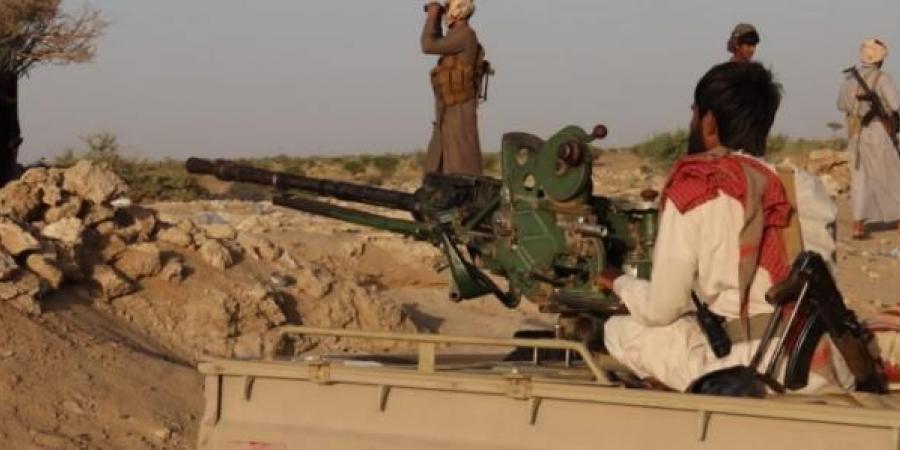 """محلل عسكري سعودي يحذر من طرفين يشكلون جبهة واحدة ضد """"الشرعية"""" و""""الانتقالي"""" بمارب"""