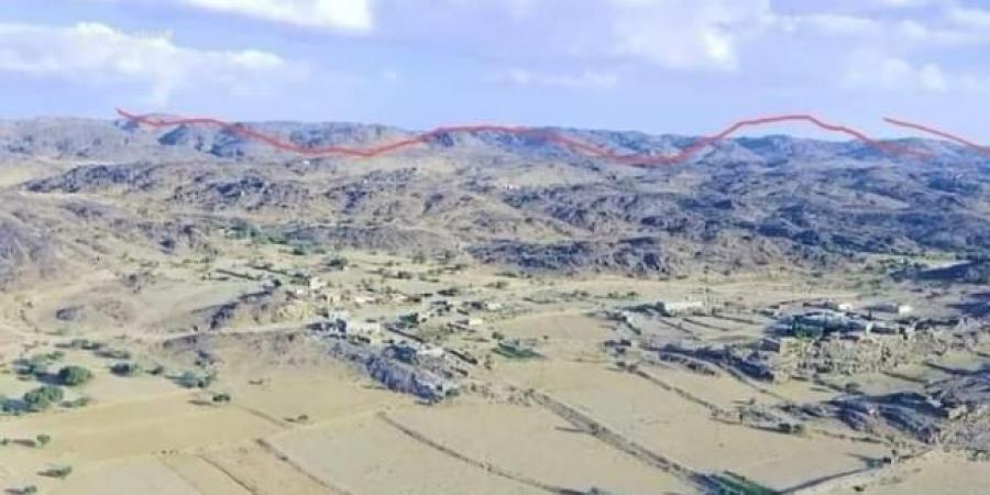 قبائل العبدية تفاجئ الحوثيين وتشن هجوما واسعا وتستعيد جبل استراتيجي من قبضة المليشيات