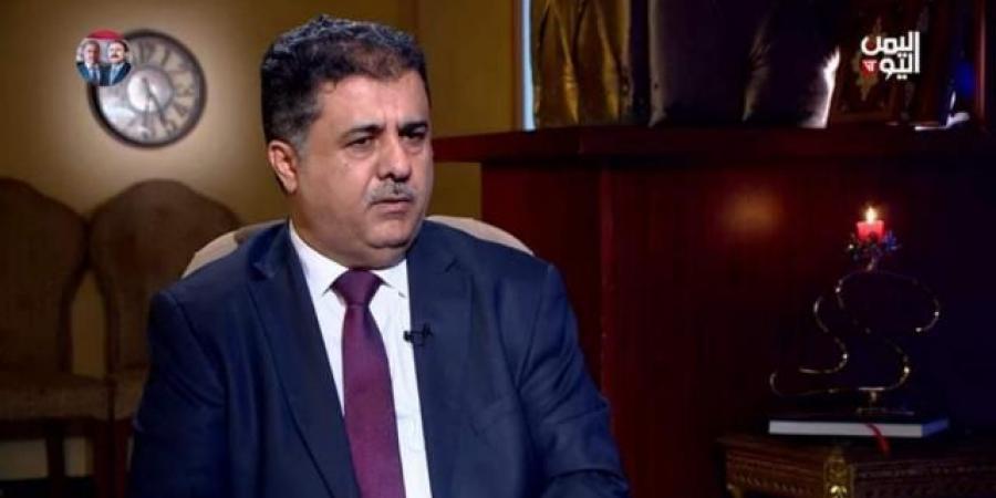 """تحدث عن """"كاريزما"""" الرئيس """"صالح"""" وعلاقته به.. """"العيسي"""" يكشف عن دور الرئيس """"هادي"""" في العقوبات المفروضة على """"أحمد علي"""" وانقسام """"المؤتمر"""" وتوقيع اتفاق سلام مع الحوثيين"""