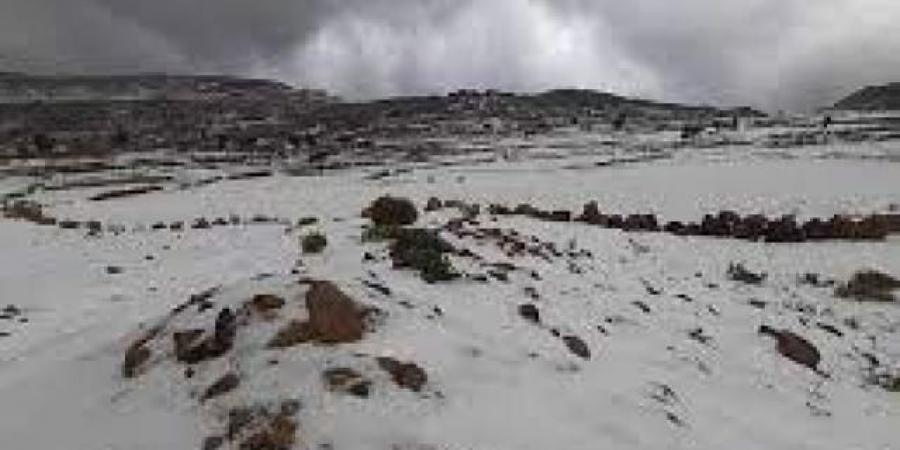 """فلكي يمني يكشف عن أول أيام """"الشتاء"""" و""""الارصاد"""" يحذر مواطني سبع محافظات"""