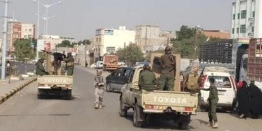 حملة أمنية في عدن لضبط السيارات المخالفة