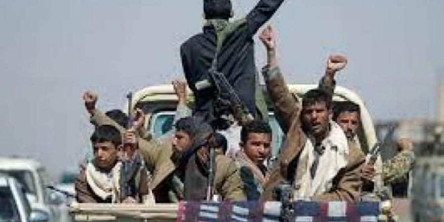 """""""للسيطرة على الجنوب مرة اخرى""""...مليشيا الحوثي تبدأ بتجنيد جنوبيين للمشاركة في حربها"""
